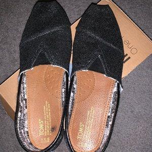 Tom's used black glitter girls shoes